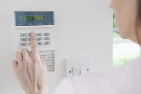 Pourquoi faire appel à un professionnel pour choisir et installer son alarme ?